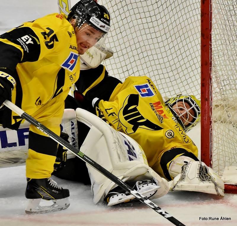 Lundberg och Larsson hade som vanligt kontroll i egen zon. FOTO: RUNE ÅHLÉN