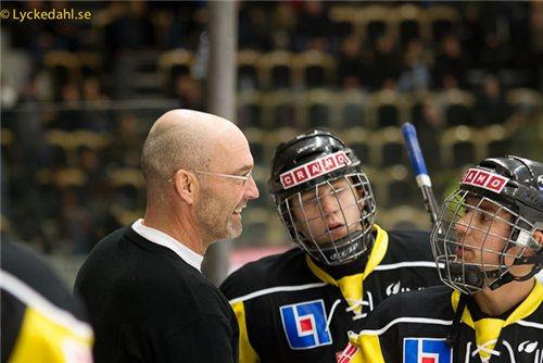 Det var då. Mats Waltin lyfte in William Karlsson och Gustav Björklund i A-laget. Nu möts man i kvalet.